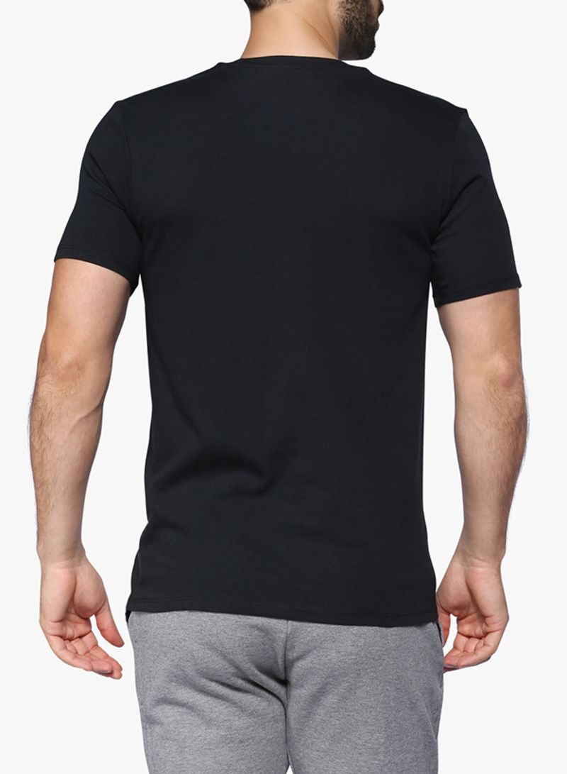 013787d6 Shop Nike Hangtag Swoosh Tee Black online in Egypt