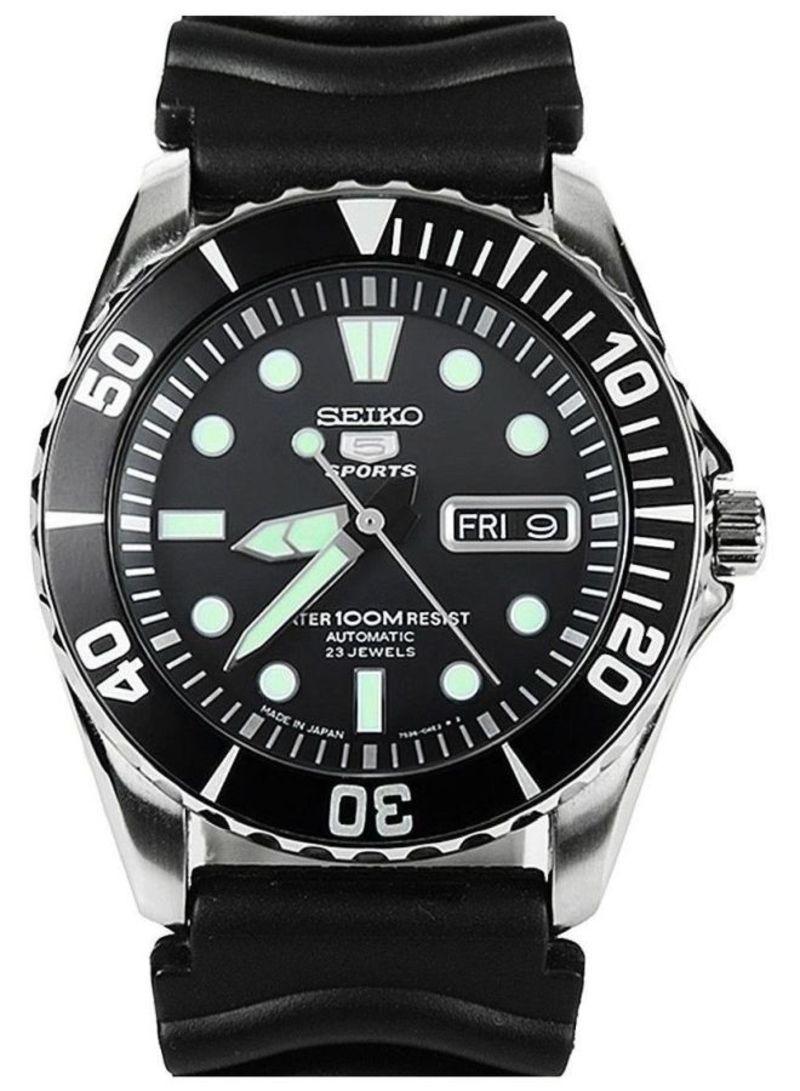 7538881a5 اشتري ساعة يد أوتوماتيكية بالعقارب من كوارتز مع مؤشر للتاريخ طراز SNZF17J2  للرجال في الامارات