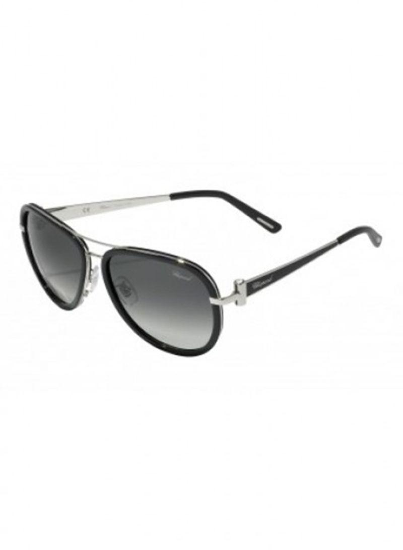 969c58ee2 تسوق شوبارد ونظارة شمسية بإطار بيضاوي طراز SCHB27S للنساء أونلاين في ...