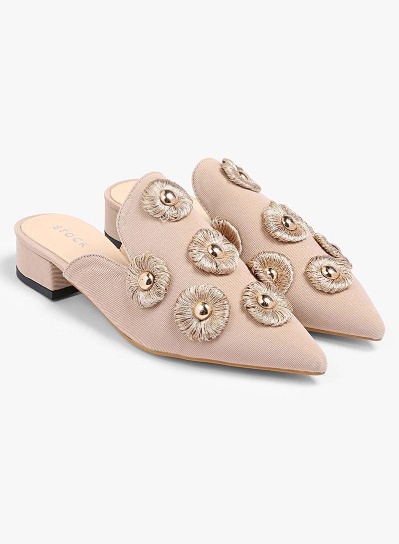 تسوق ستوك وحذاء بزخرفة معدنية أونلاين في السعودية