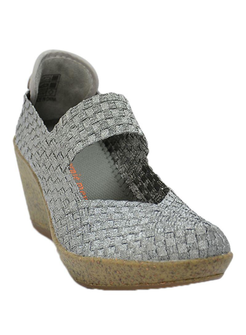 442dc42c8 تسوق بيرني ميف وحذاء ويدج نسيجي بكعب عريض مستو من آبي أونلاين في ...