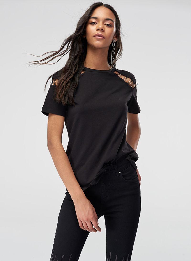276e9c022d7 Shop Trendyol Ring Detailed Knitted T-shirt Black online in Dubai ...