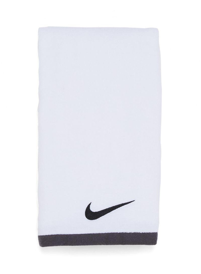 ac81707f Shop Nike Nike Fundamental Towel White / Black Large online in Dubai ...