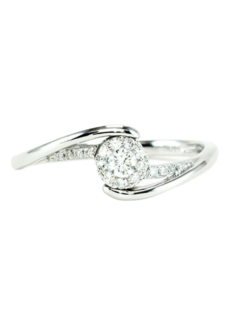 18 Karat White Gold Flower Diamond Ring