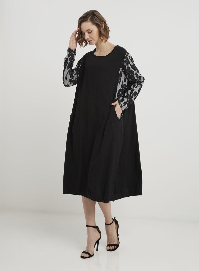 9e17472eccc8 Shop Keguay Pocket Detailed Midi Dress Black online in Dubai, Abu ...