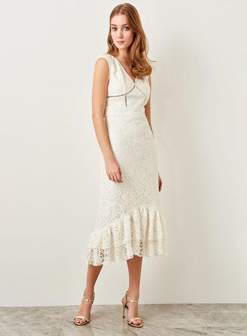 5bb6e08e90ac5 Shop Trendyol Ruffle Lace Bodycon Dress White online in Dubai, Abu ...
