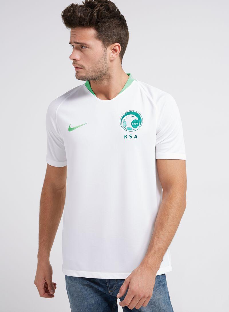 406a76e90 تسوق نايكي وتيشيرت المنتخب السعودي لكرة القدم أبيض أونلاين في السعودية