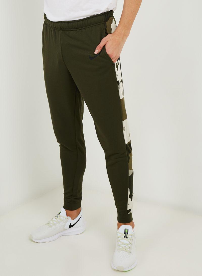 materiales superiores Super descuento materiales de alta calidad Shop Nike Dri-Fit Tapered Fleece Camo Pants Dark Green online in ...