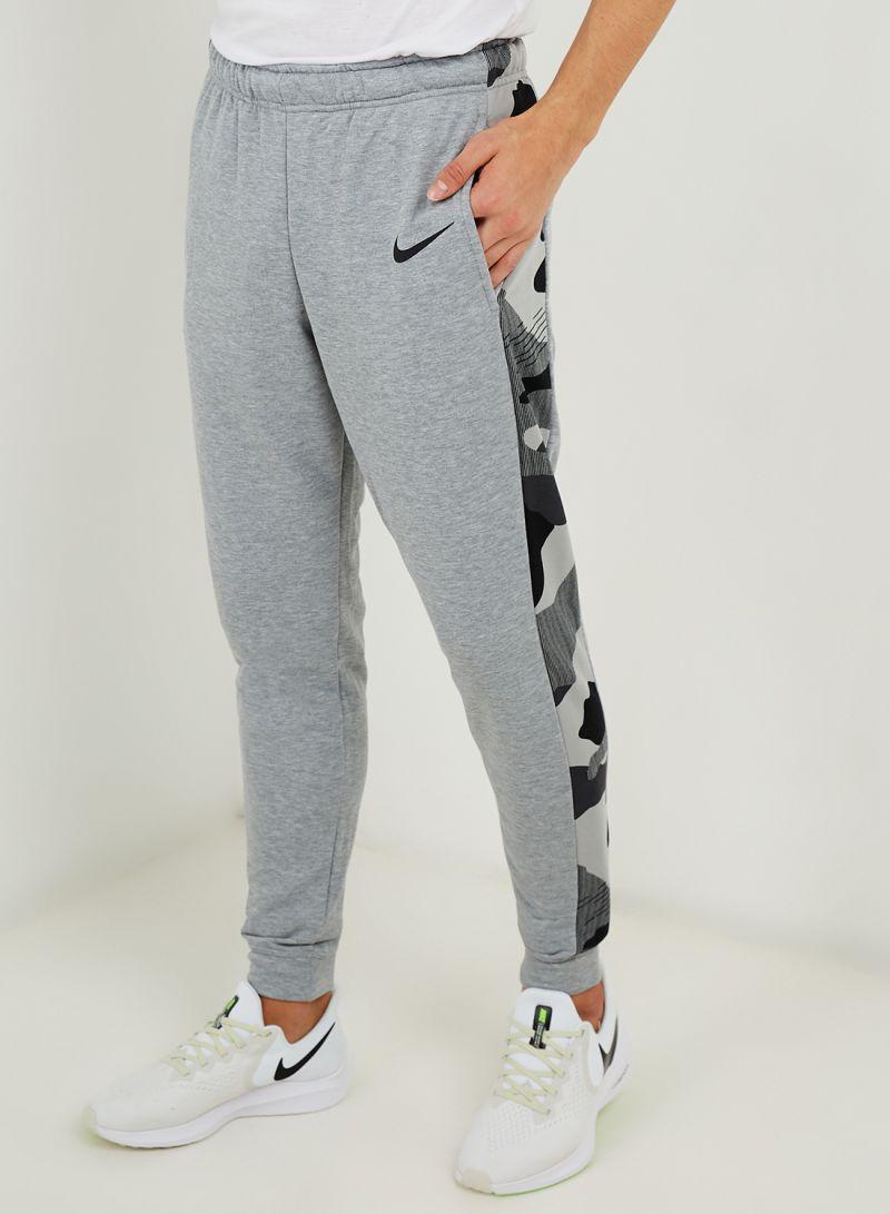 colores delicados obtener nueva 2019 profesional Shop Nike Dri-Fit Tapered Fleece Camo Sweatpants Grey online in ...