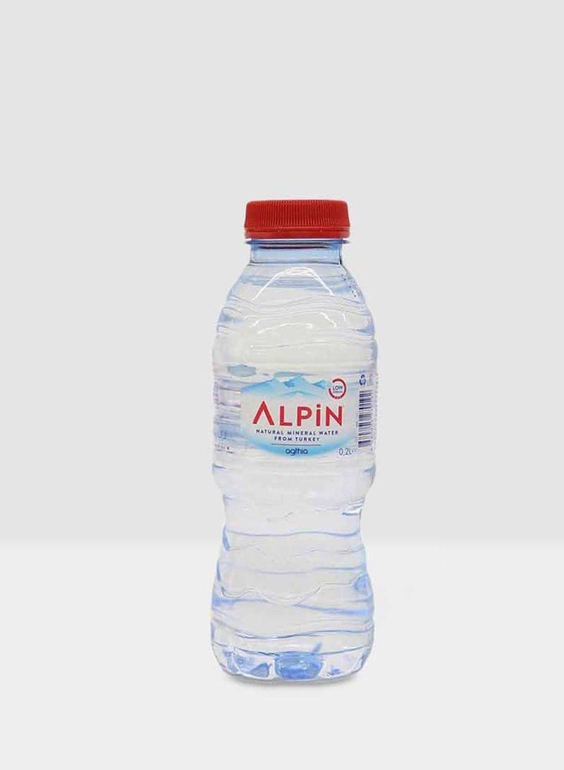 سعر مياه معدنية طبيعية 200مل فى الامارات نون الامارات كان بكام